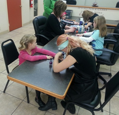kids getting nails done